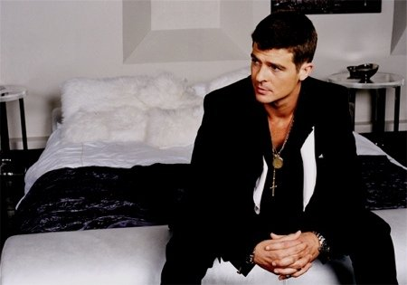 One of our favorite soul crooners, Robin Thicke (Yes, the son of Alan Thick ...