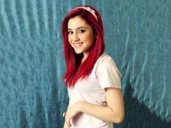 Ariana_Grande_2012_01
