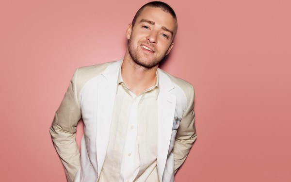Justin-Timberlake-Smile-600x375